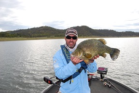 Aaron Huppatz with a 585mm Yellowbelly